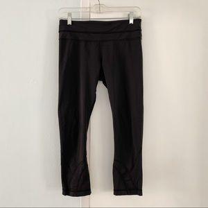 LULULEMON black mid length running legging pants 6